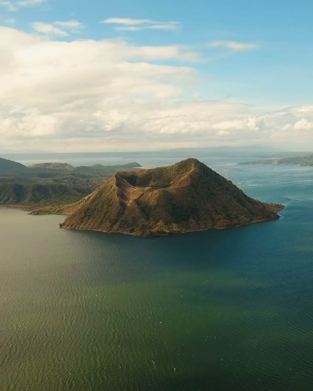 Crater del volcan Taal