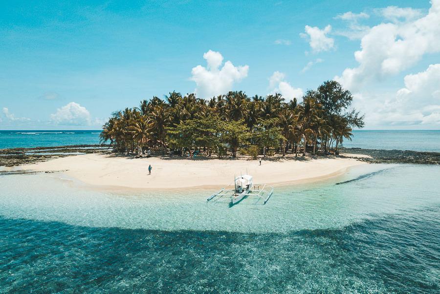 Vista aerea de la isla de guyam uno de los destinos imprescindibles a visitar desde Siargao
